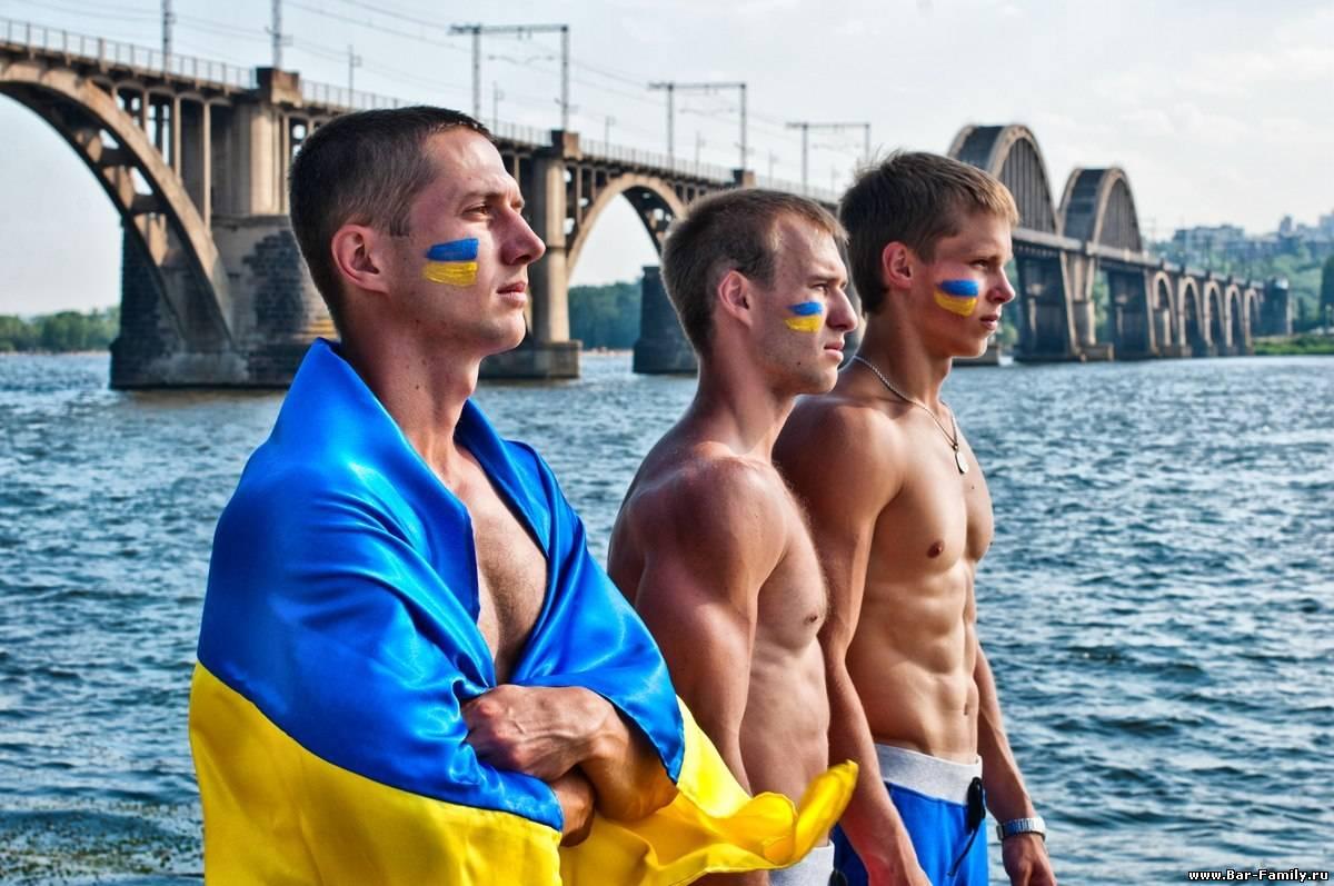 Перестал разговаривать со своими родственниками из Украины. Постоянно слышу от них только негатив. Объясняю, что их раздражает